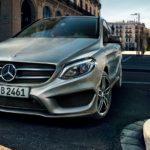 Mercerdes-Benz B-Klass snett framifrån