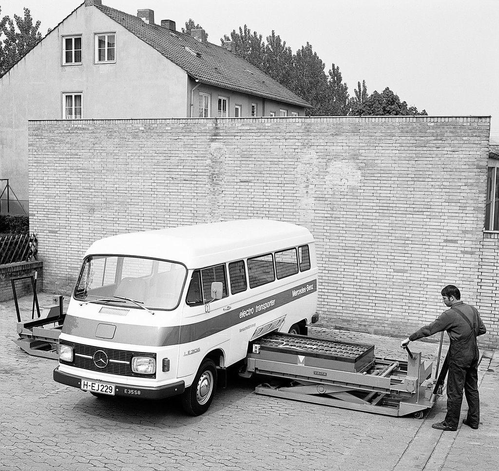 Mercedes LE 305, eldriven minbuss från 1972